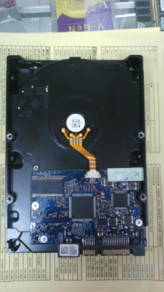 hdd pc 1tb - 1000gb sata 7200 rpm. normal + free film hd