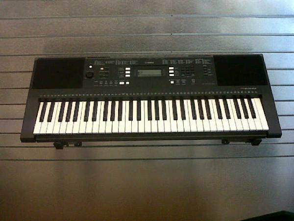 Keyboard Yamaha PSR E343