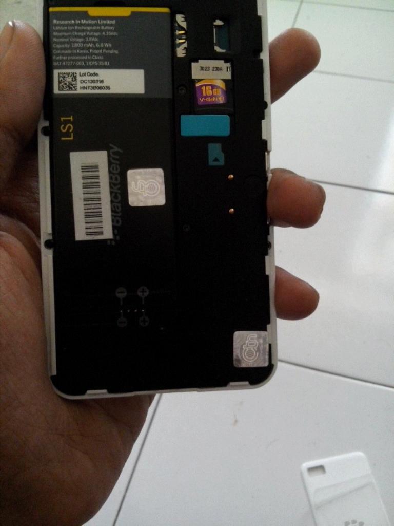 Blackberry Z10 white Ori TAM garansi masih lumayan panjang Semarang