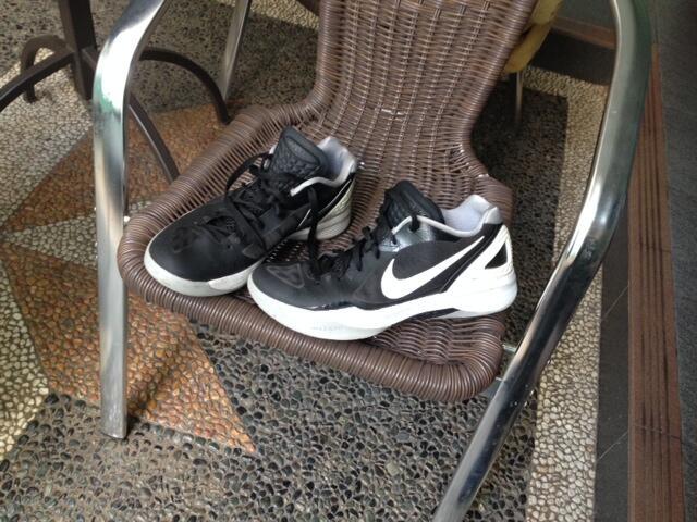 Terjual Jual paket sepatu basket Hyperdunk low ori (second)   jordan ... 11ecca1903