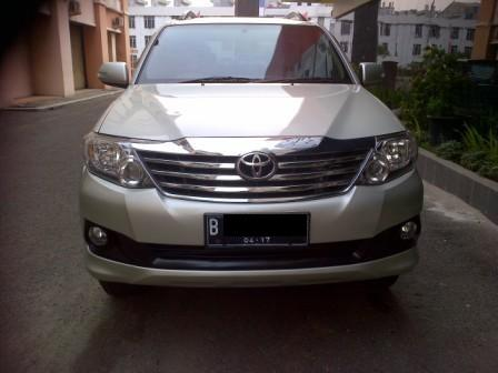 DIJUAL Toyota Grand Fortuner 2.7 G Lux AT Silver 2012 Service Record 299jt??