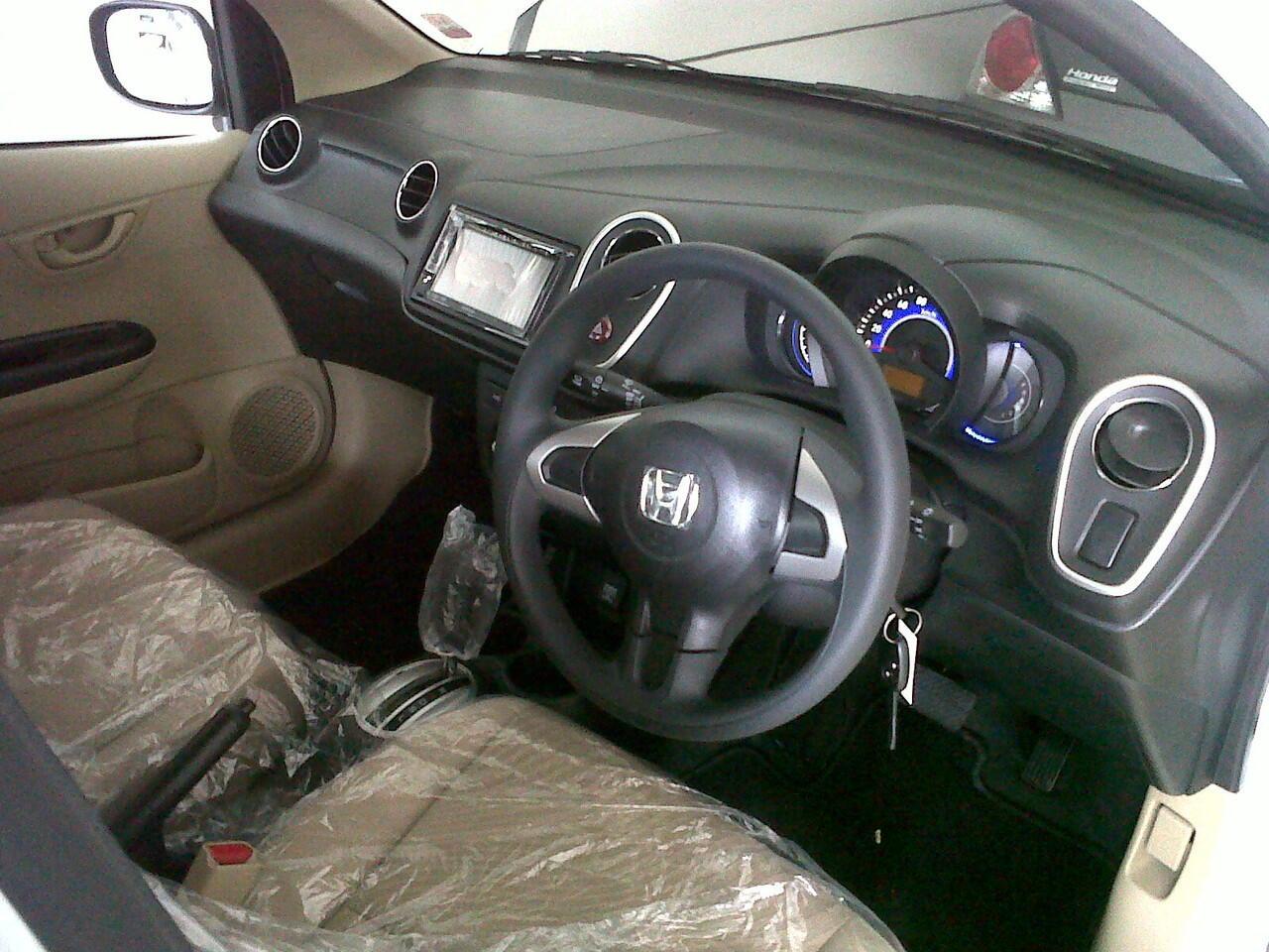 Lebaran nyaman dengan Honda Mobilio,dp murah gan