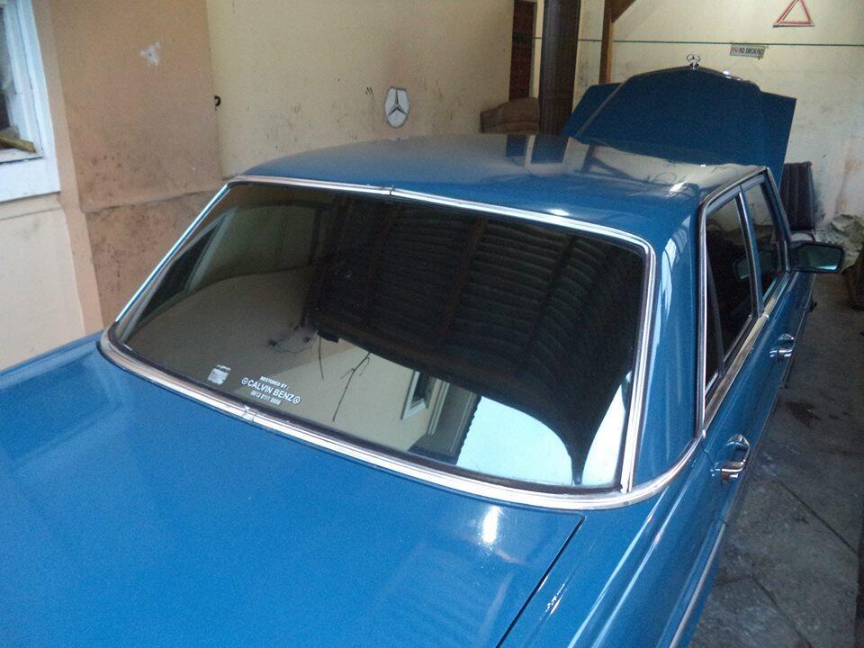 mercy mini 200 th 73 warna biru kondisi sangat istimewa