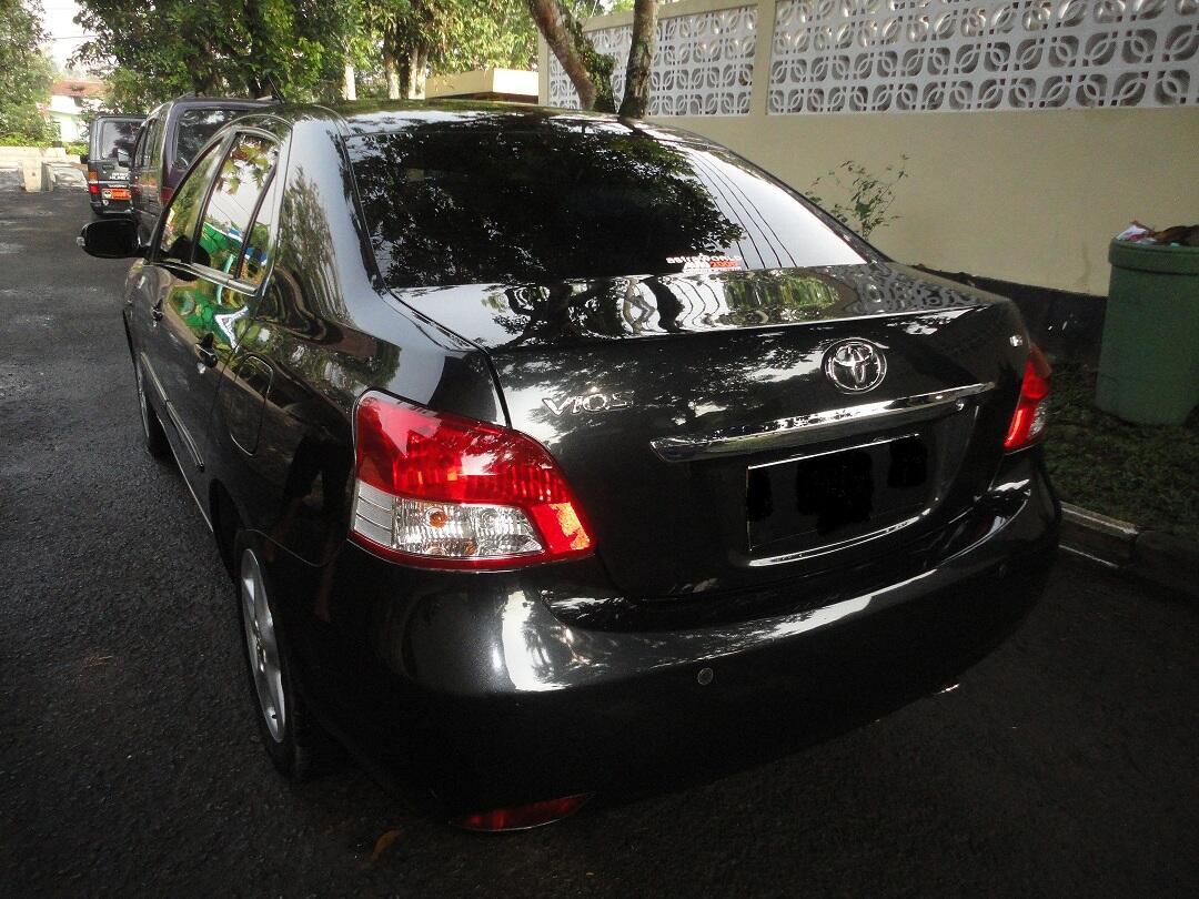 jual 2 mobil Toyota Corolla ALTIS G 2001 M/T muullluusss dan Vios G 2007 M/T