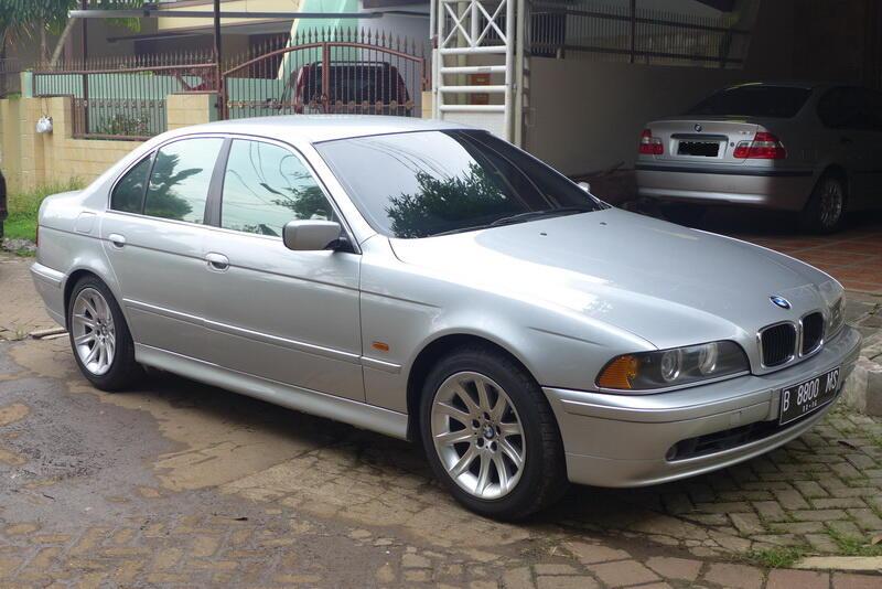 wts : BMW 520I thn 2001, triptonic, silver, mulus, atas nama sendiri