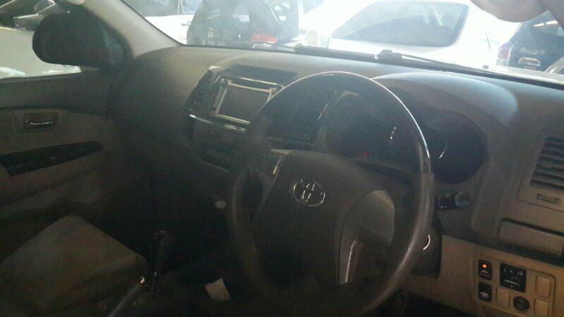 Toyota Fortuner 2011 GAT TRD Matic putih muluss