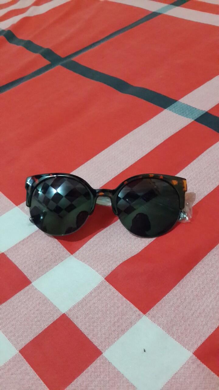 WTS: Kacamata import.