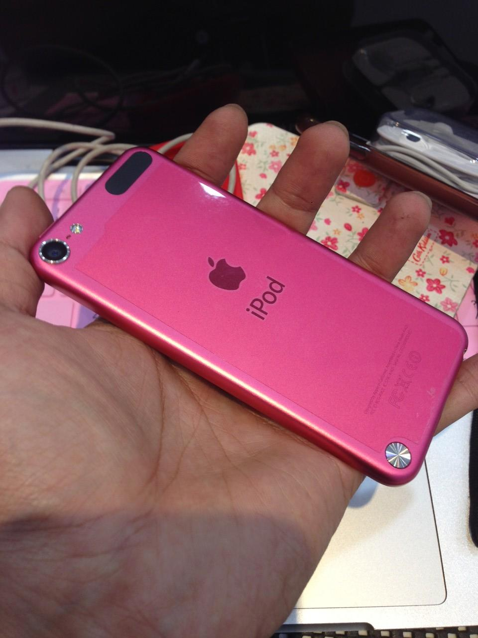iPod touch 5 pink 32 GB fulset free casing 3 kondisi 99%