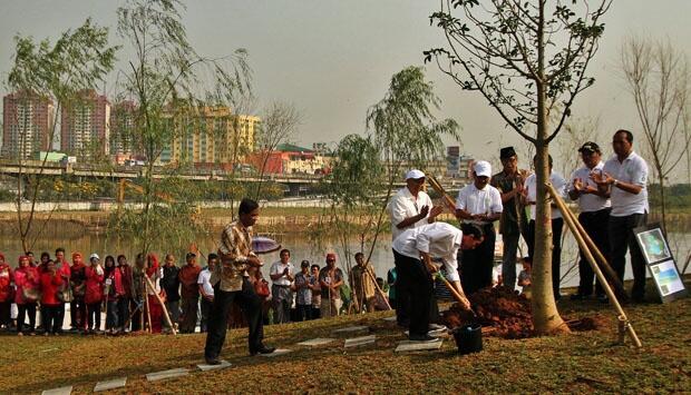 Heboh..!! Bukti Nyata Pencitraan Jokowi Mulai Terbongkar, Masih Layak Jadi Pilihan ?