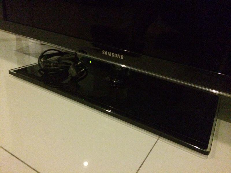 """Jual TV LED SAMSUNG 32"""" UA32D5000PM"""