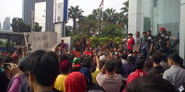 Mereka Hidup di Jakarta, Cari duit di Jakarta, Tapi menghina TOKOH JAKARTA