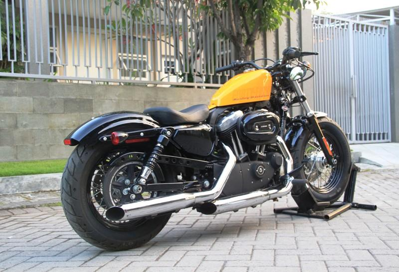 WTS : HD SPORTSTER 48 YELLOW 2012