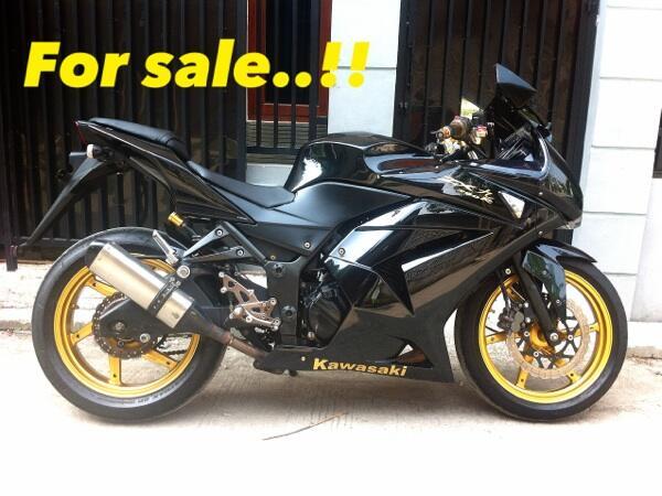 Ninja 250 R (black gold) modif 2011