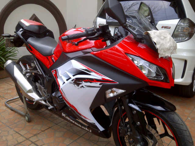 Kawasaki Ninja 250 Fi ABS Special Edition Tahun 2012