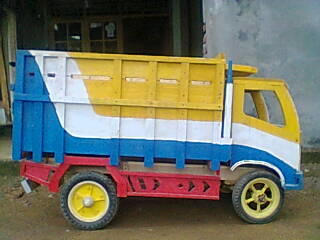 truck mainan besar untuk anak