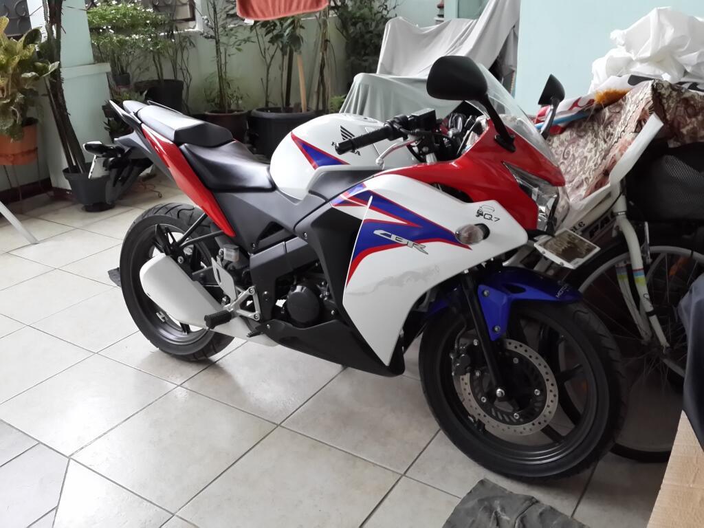 Honda CBR 150R RWB