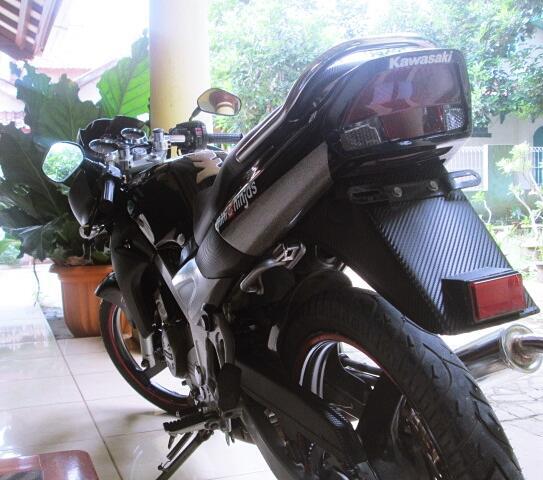 Ninja R 2010 Hitam + Bonus Knalpot R9