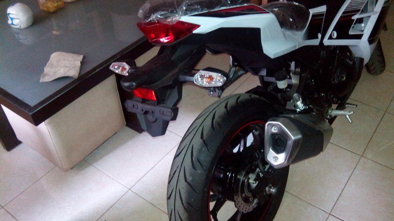 Jual sepeda motor Kawasaki ninja 250 fi ABS. baru dan nol kilometer. off the road
