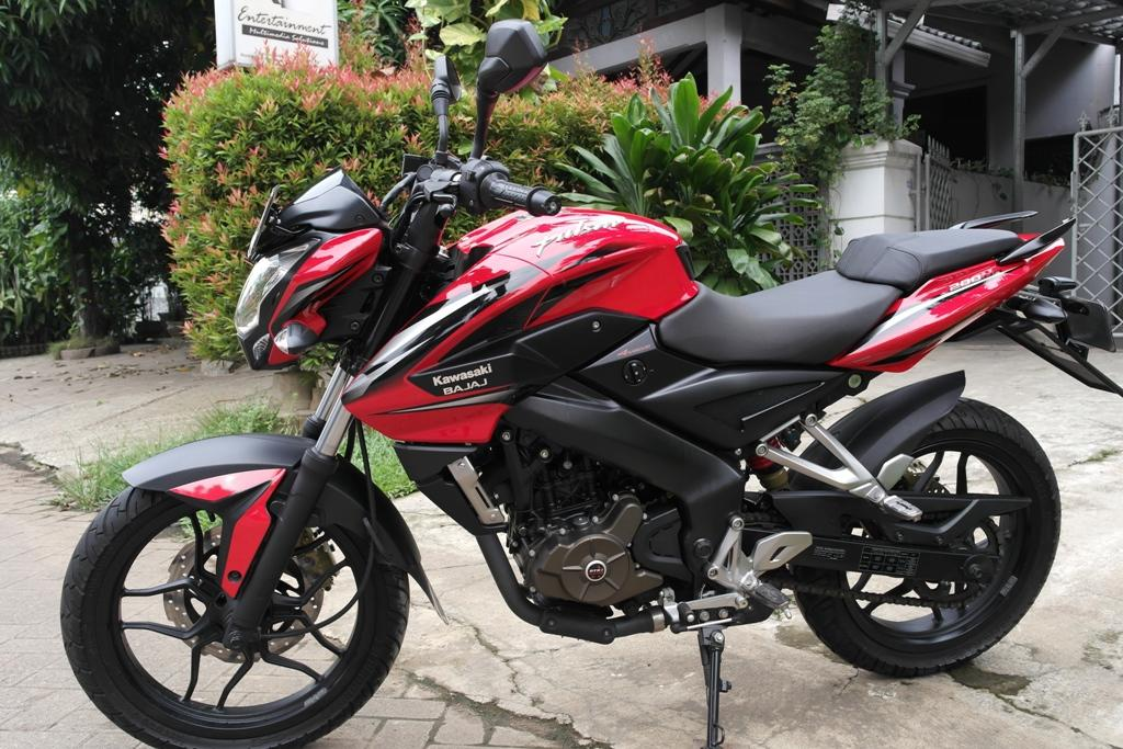 Dijual Kawasaki Bajaj Pulsar 200NS