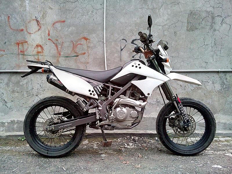 WTS Kawasaki D-Tracker 150, Plat D, Bandung