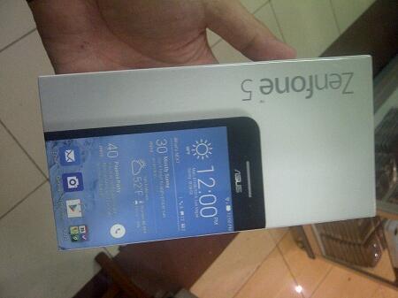 Sisa 1 unit Asus Zenfone 5 Ram 2 Gb