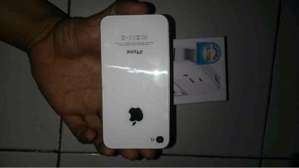 Iphone 4s 32gb white lengkap