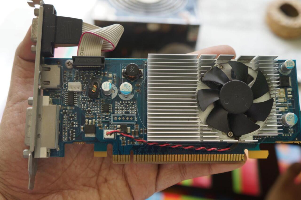 VGA PCI-E NVIDIA GFORCE G100 512 MB 64 BIT DDR2