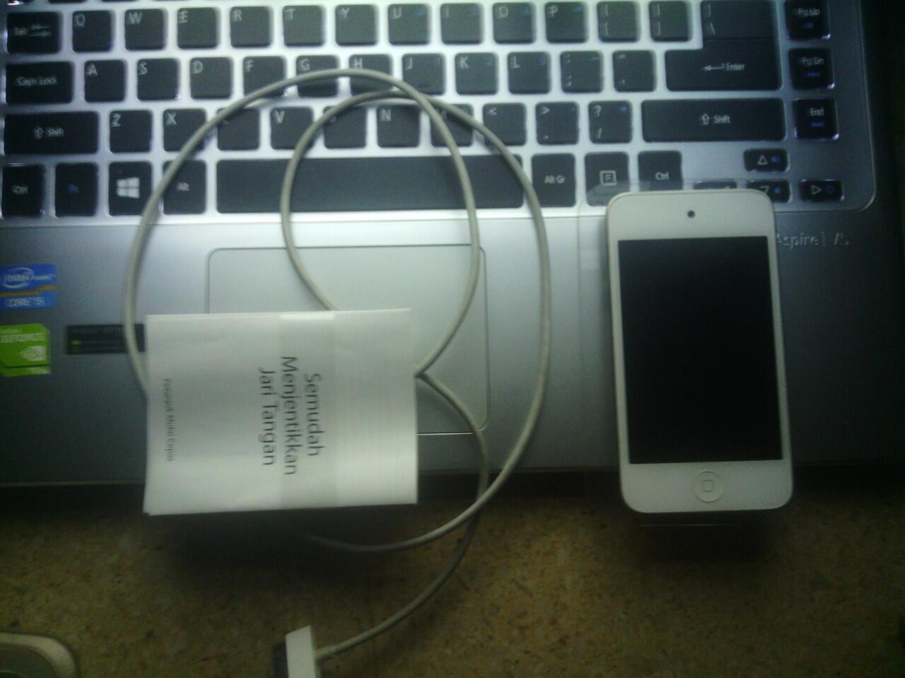 iPod gen 4 murmer abis brooooo siapa cepat dia dapet