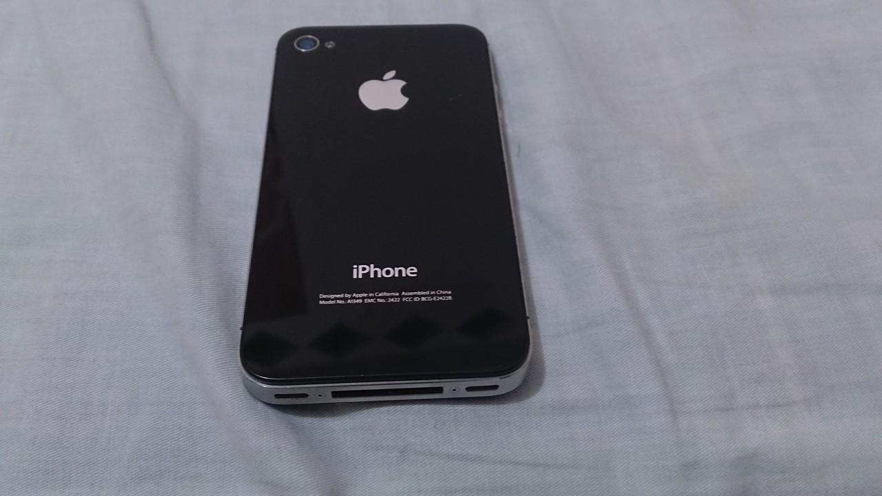 iPhone 4 CDMA 32GB Black Inject Smartfren Mulus 90% No DeadPixel Cool !!!
