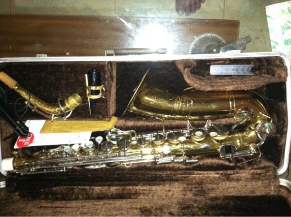 Di jual Saxophone alto buescher aristokrat k