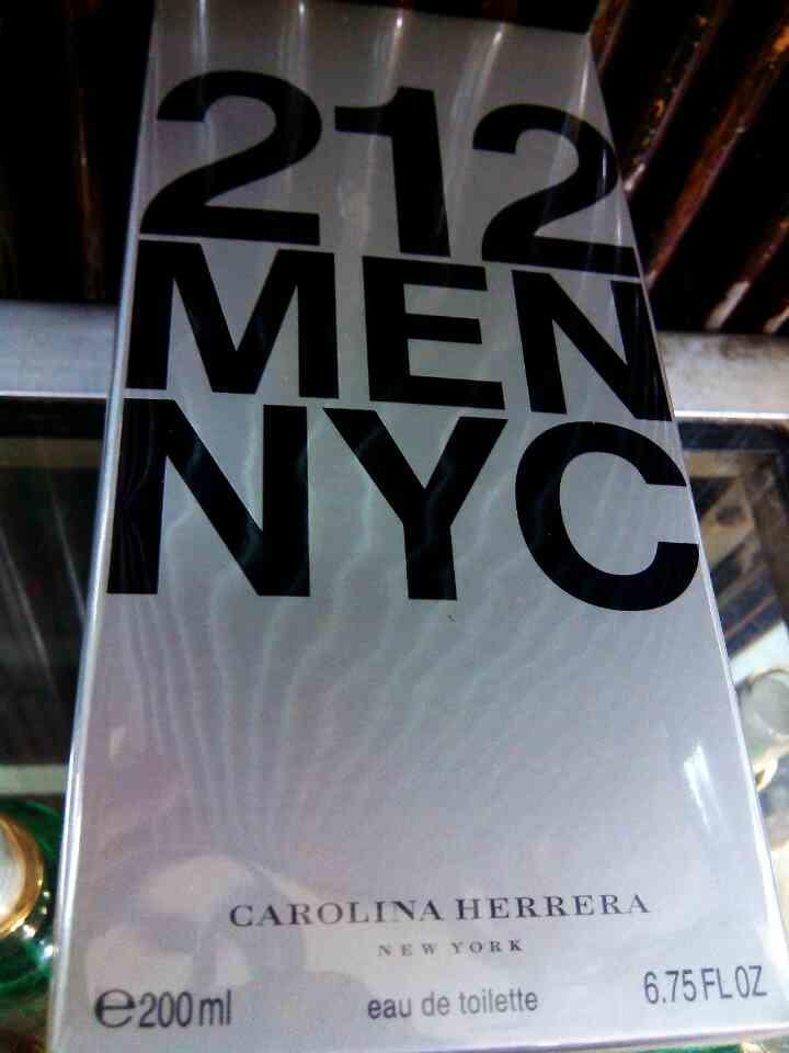 Parfum Original Carolina Herrera 212 Men 200 Ml