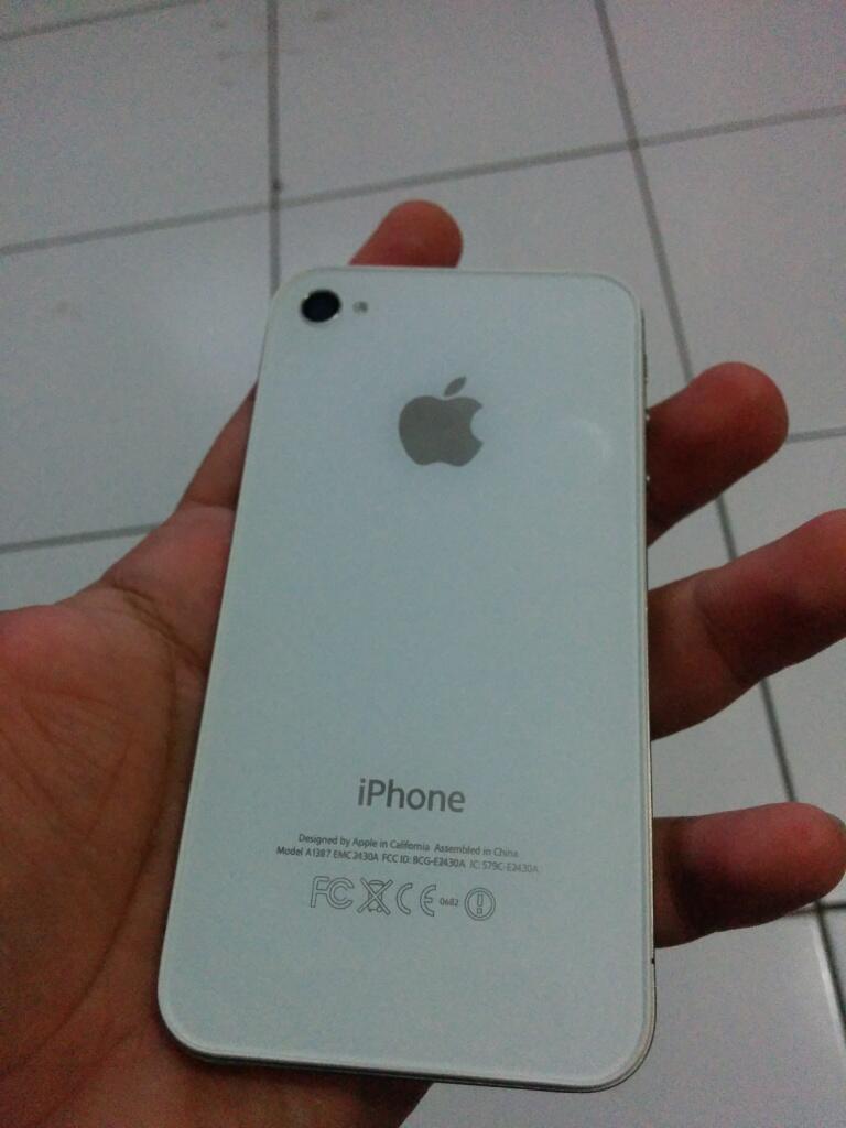 I Phone 4S Putih FU ISTIMEWA
