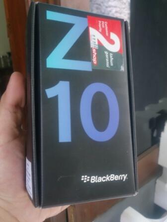 Blackberry Z10 Hitam. Masih ajib serta muluuuus! (baru pakai 2 bulan)