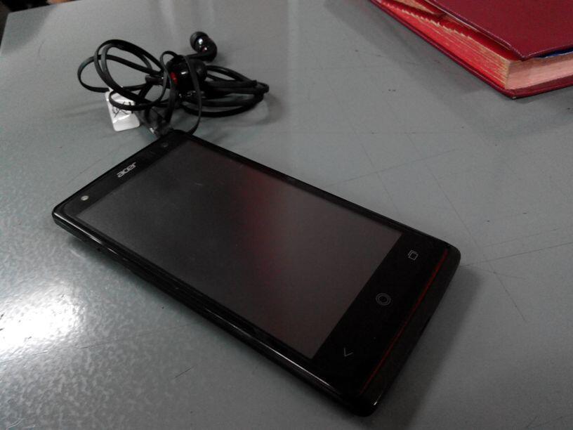 "ACER LIQUID E3 BLACK   Quad Core, 2GB RAM, 16GB, 13MP, 4.7""   MicroSD Toshiba 16GB"