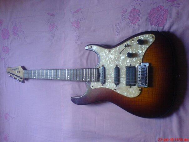 Gitar Listrik Washburn