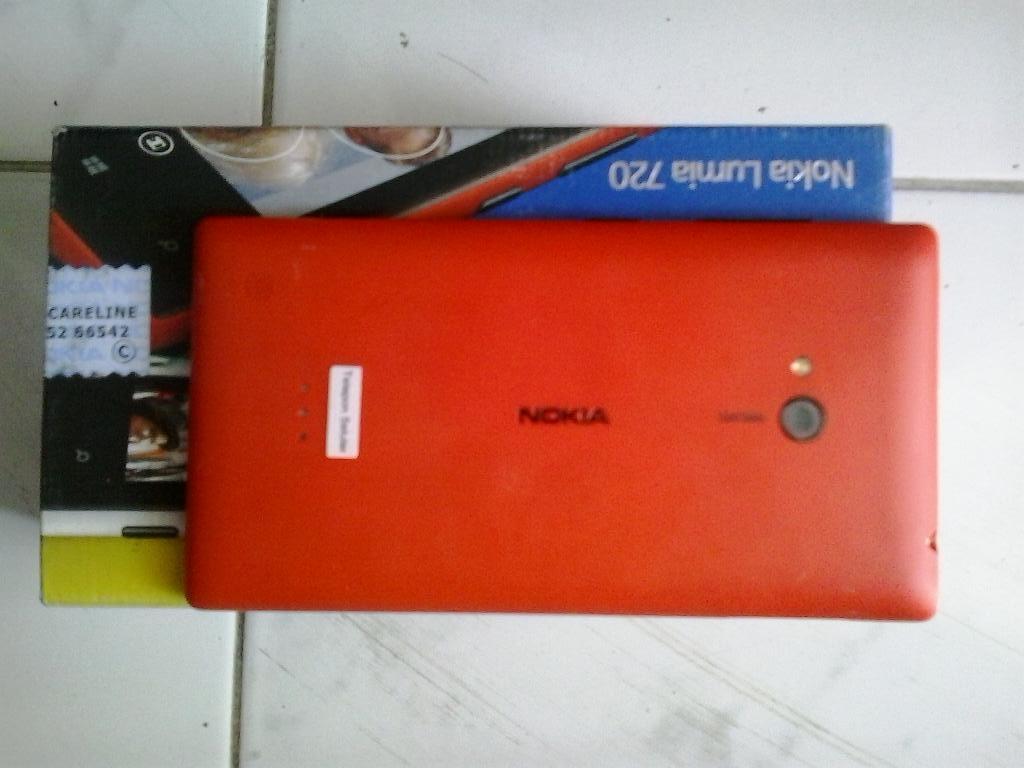 Nokia Lumia 720 Red Fullset (Surabaya)