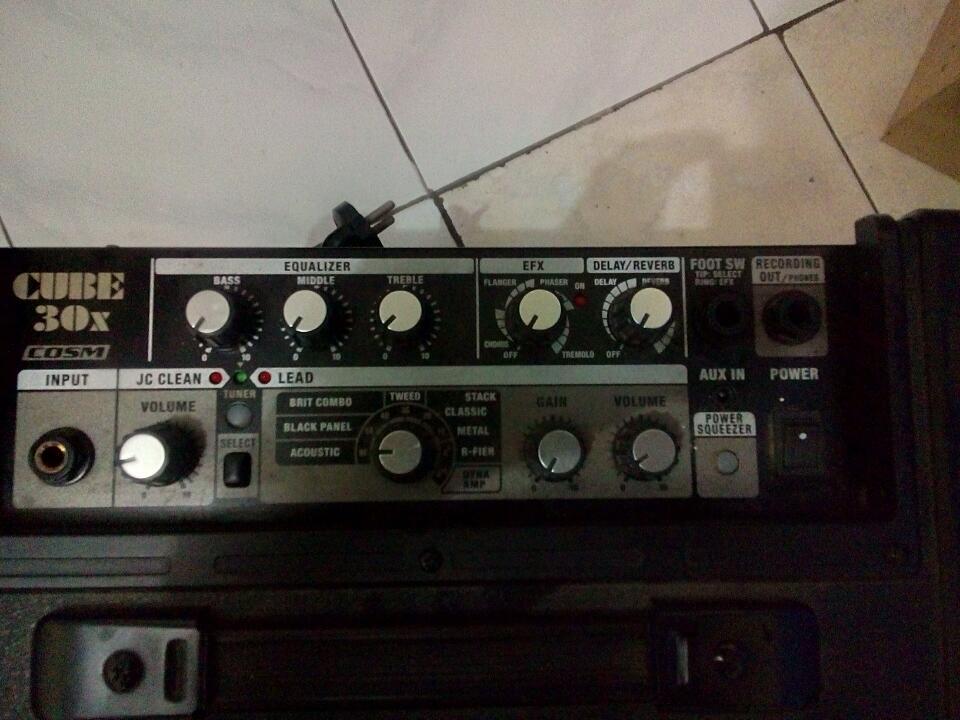 Amplifier Roland 30x cube SURABAYA