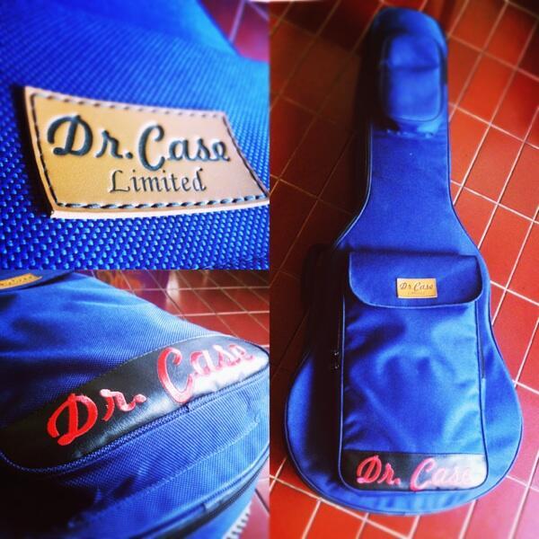 di jual gigbag semi hardcash Dr. Cash limited warna biru..