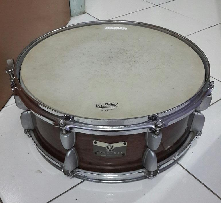 snare yamaha , stand cymbal ludwig jaksel