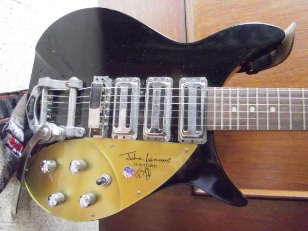 Rickenbacker 325 John Lennon edition Replica