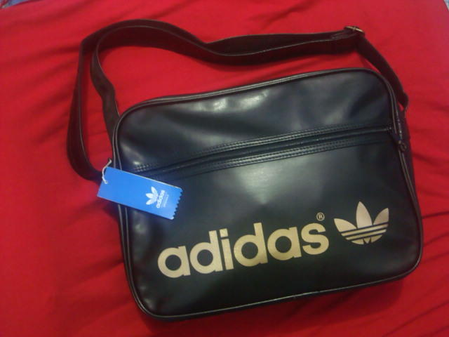 d68c1ab5a7 Terjual ADIDAS AC AIRLINE BAG BLACK METAL GOLD NOIR W68179