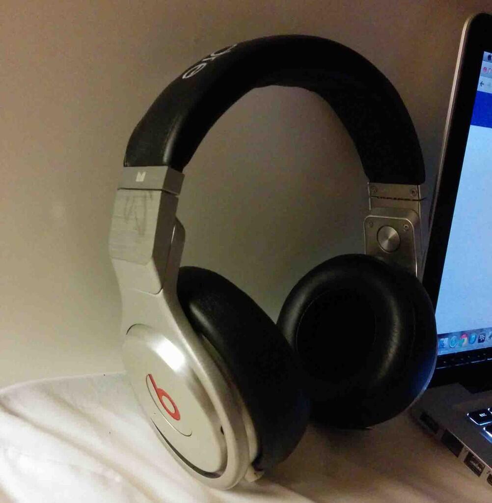 headphone beats pro
