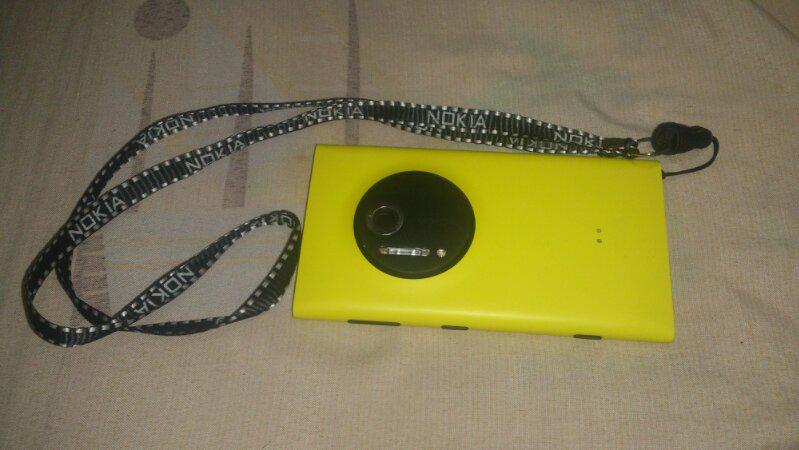 Lumia 1020 Yellow 32GB Like New mantap