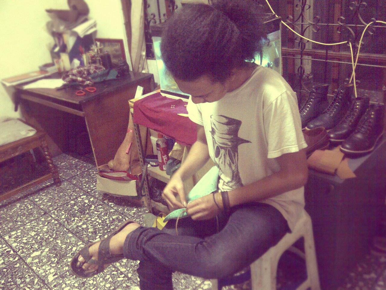 Kursus Kilat Membuat Sepatu Sendiri
