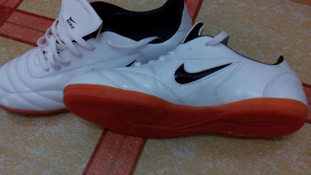 [Jual Rugi] Sepatu Futsal Nike Murah tapi gak Murahan, KW tapi OK punya
