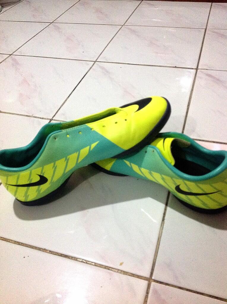 Nike Mercurial & Nike Elastico (Sepatu futsal)