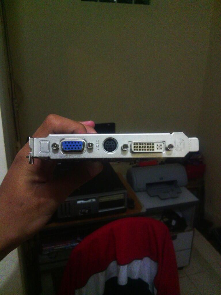 Jual cepat VGA SAPPHIRE Radeon X1600XT 256MB 128-bit GDDR3 BANDUNG
