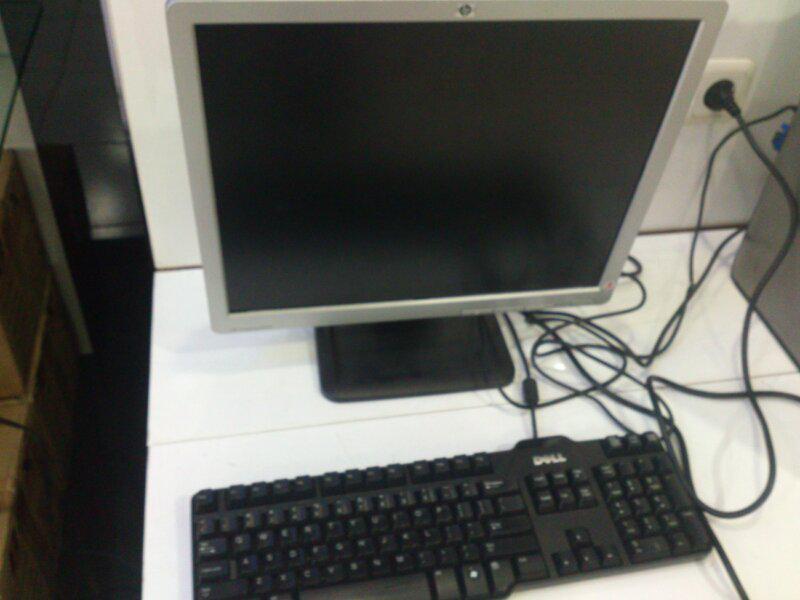 Set Komputer core2duo murmer gan (Monitor + CPU)