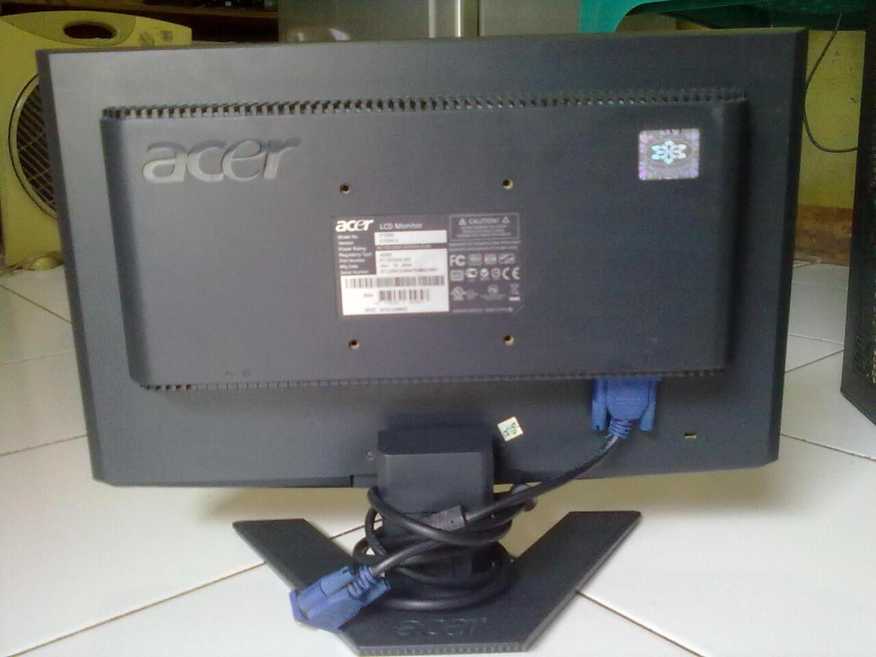 AMD Athlon X2 250 dengan LCD Acer