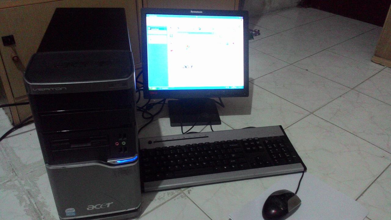 Desktop Acer Dual Core 1.6G Ram 1G Windows XP sp 2 Ori (license)